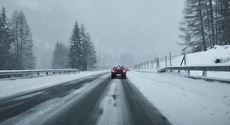 ....und das Schneegestöber über den Bernardino.