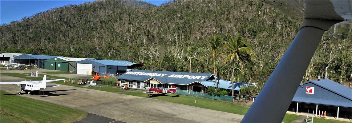 Das Flughafengebäude.