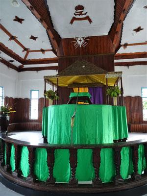 ....mit dem Altar...