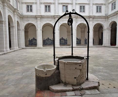 .....mit dem Ziehbrunnen......