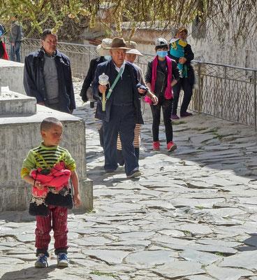 Pilger auf dem Rundgang