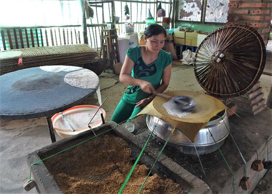 Da wird Reis-Papier hergestellt, zum Zältli einpacken.