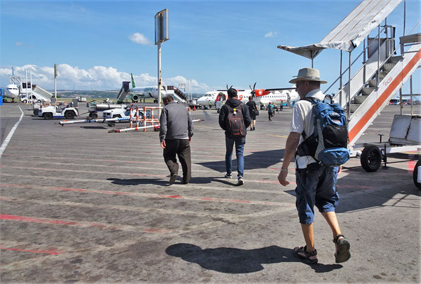 Abflug in Denpasar und...