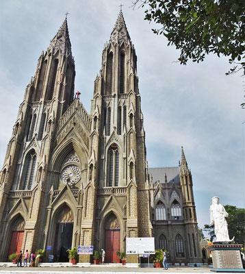 Die Philomena Kirche aus dem Jahre 1933-41...