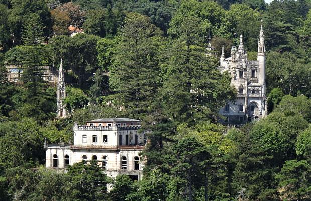 Weitere Paläste in der Umgebung.
