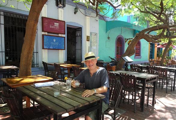 .....mit einem Griechischen Restaurant.....