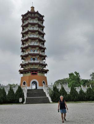 .....zur Cien Pagoda mit.....