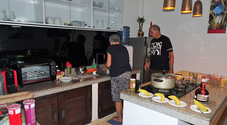 ....Colette endlich wieder einmal in die Küche....