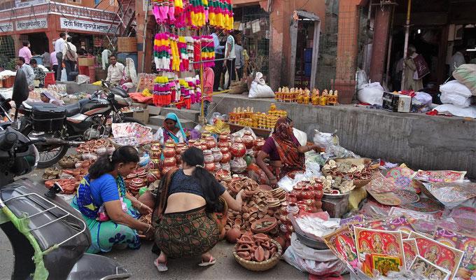 Hier wird alles für das Diwali Fest verkauft.