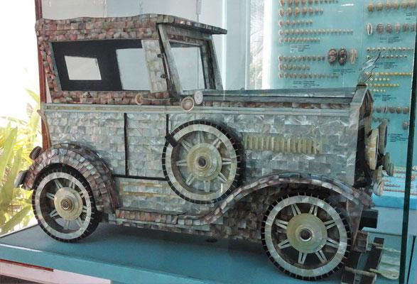 Ein Auto aus Perlmutt