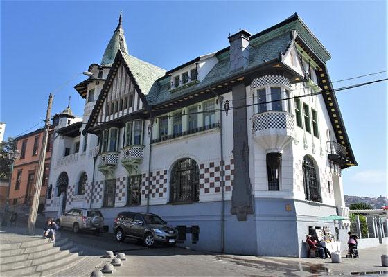 Das prunkvolle Baburizza Haus von 1916......