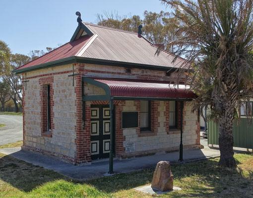 Das erste Gemeindehaus.....