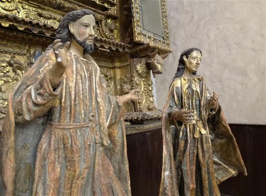 Statuen der 12 Apostel.