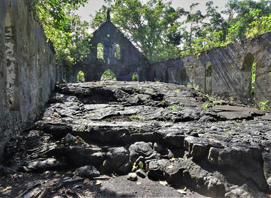 Vor dem Altar hielt der Lavastrom.