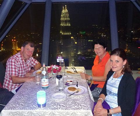 ...Stratosphäre 360° Restaurant im KL Tower.
