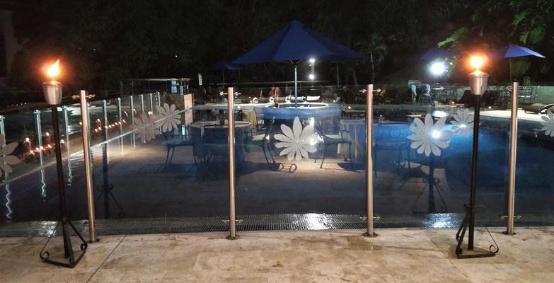 Unser Hotel am Abend.....