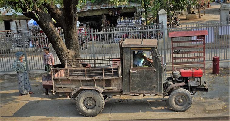 """Ein """"moderner"""" Lastwagen."""