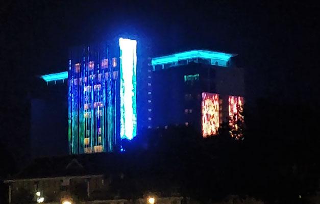 Das Casino mit der auffalenden Fassade.