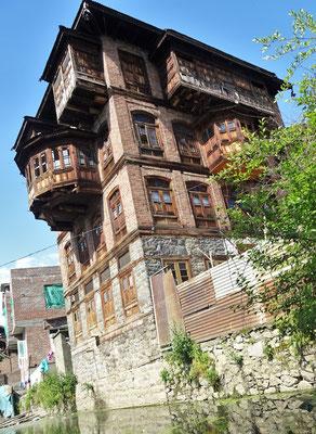 Alt-Srinagar mit..