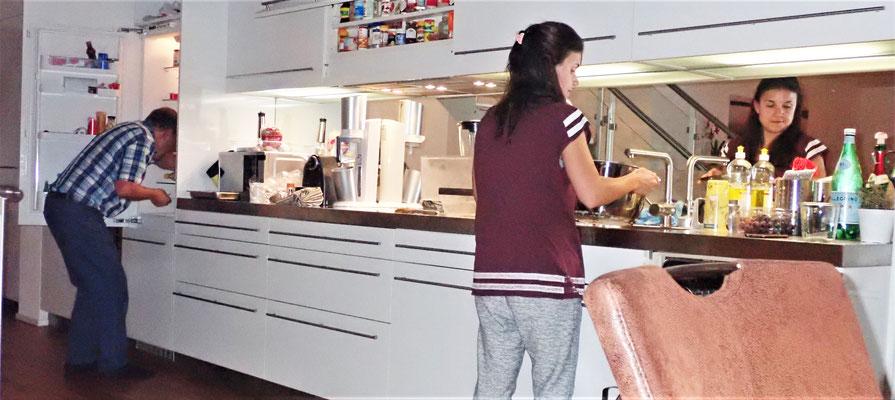 Bei Laura.........was gibt der Kühlschrank her? 😉