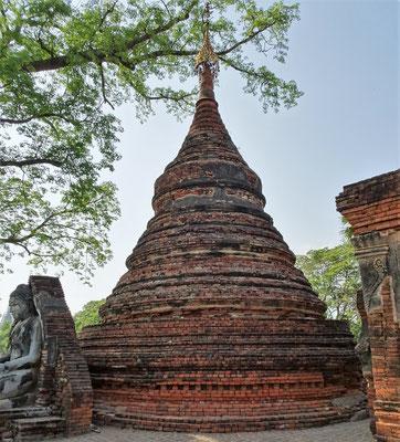 ....und der dazugehörende Stupa.