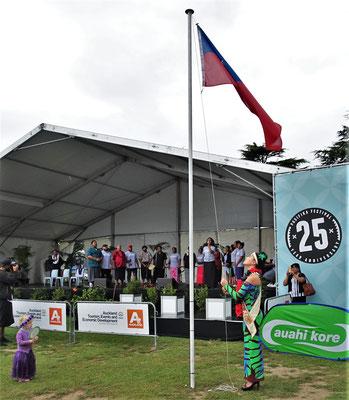 Das Pasifika Festival mit dem Fahnenaufzug von Samoa.