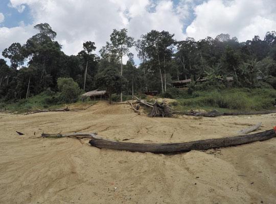 Ankunft im Orang Asli Dorf