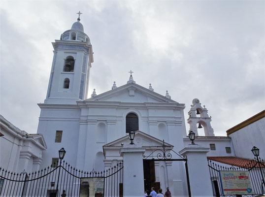 Die erste Jesuitenkirche von 1732......