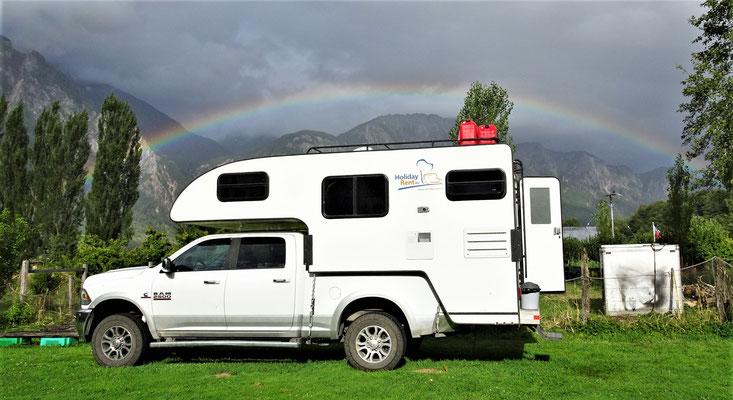 Regenbogen über unserem Camper.