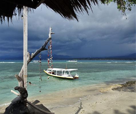 Auf Lombok regnet es mit....