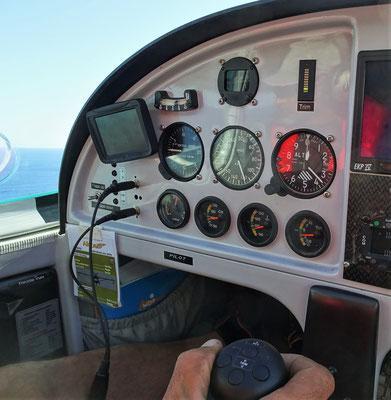 Geschwindigkeit 130, Höhe 370 Fuss.