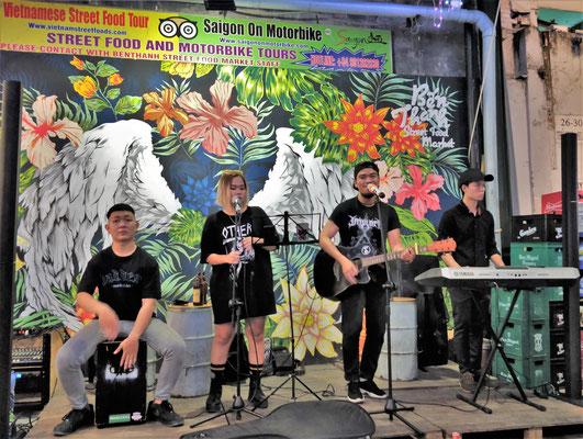Live Musik an der Food Street......