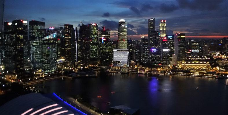 .....von Singapur.