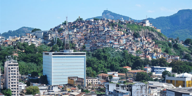 .....und die Favelas.