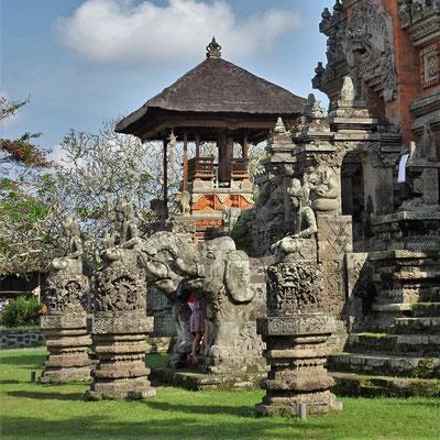 Die Tempelanlage.....