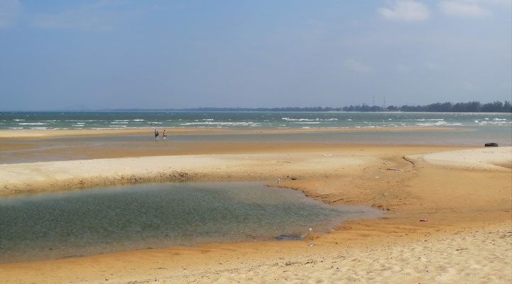 ....vom menschenleeren Strand...