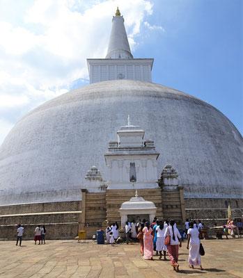 Der Mirisawatiya Stupa aus...