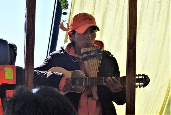 Er spielte die passende Musik....