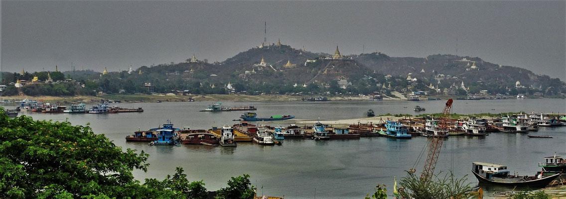 Der tiefe Wasserstand des Ayeyarwaddy Flusses