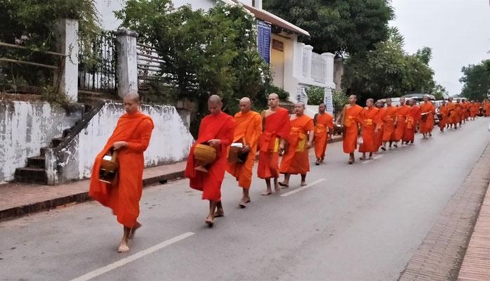 ......den Allmosengang der Mönche.
