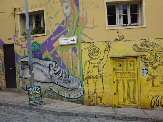 .....und den unzähligen Grafittis.