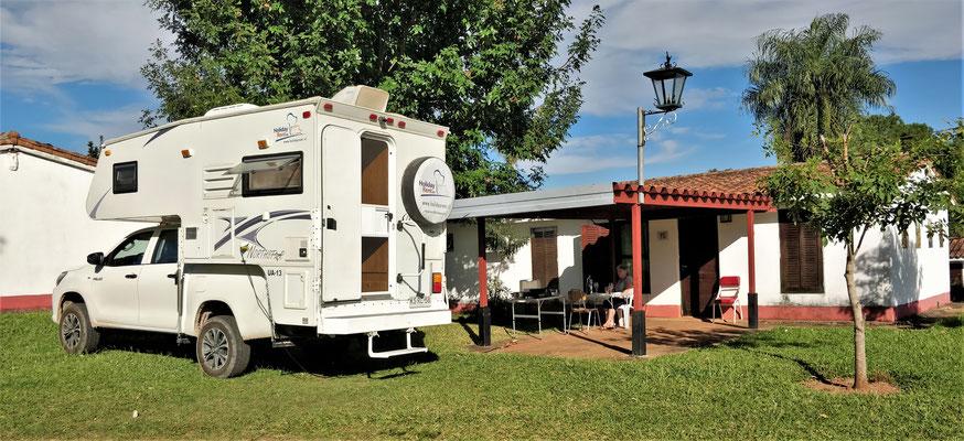 """Der """"Camping"""" Paradise mit unserem Bungalow."""