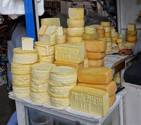 ......ein Stück Käse.