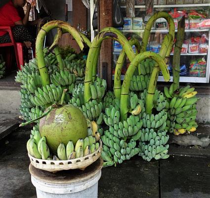 .....und dem Bananen- und Kokosverkäufer.