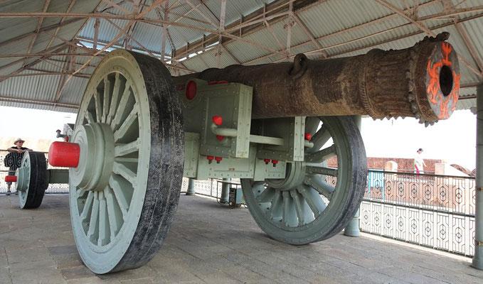 Die weltgrösste Kanone auf Räder.