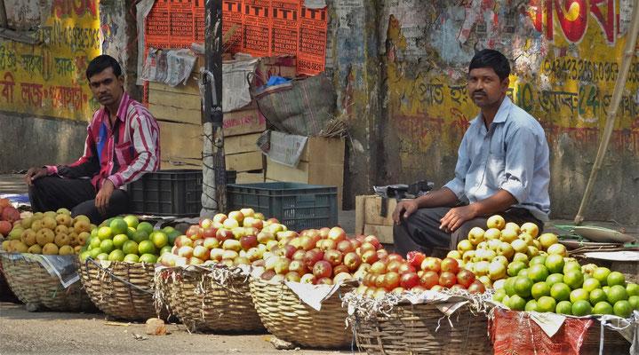 Der Apfelverkäufer am Strassenrand...