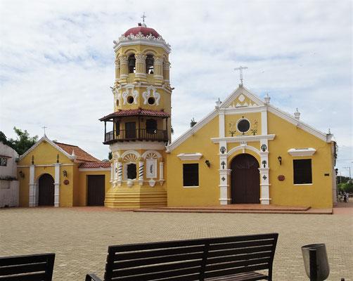 Die Santa Cruz Kirche......