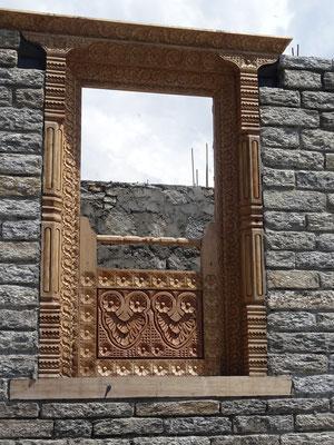 Kunstvolle Fenstereinfassungen