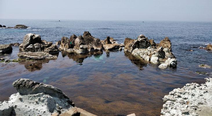....mit dem ruhigen Meer.