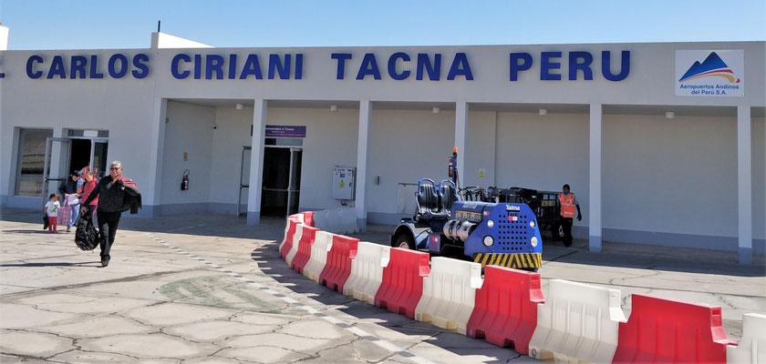 Der neue Flughafen von Tacna.